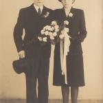 Huwelijk Gabe Y. Tamminga N143 en Trijntje Wiersma, foto 1942